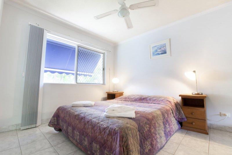 Elegant surfers paradise accommodation apartments that meet your budget cannes court for Cheap 2 bedroom apartments gold coast
